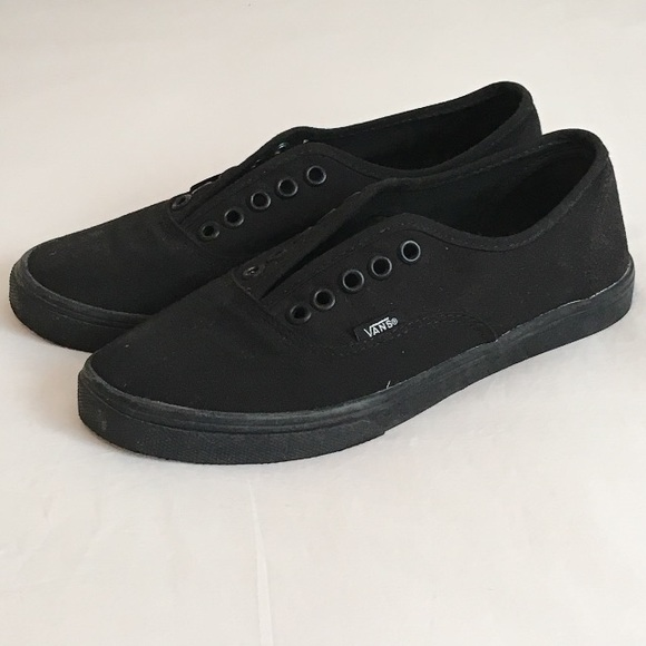 d2dea40a9e94a3 All Black Low Top Vans. M 5b6b647981bbc8a9842be86c